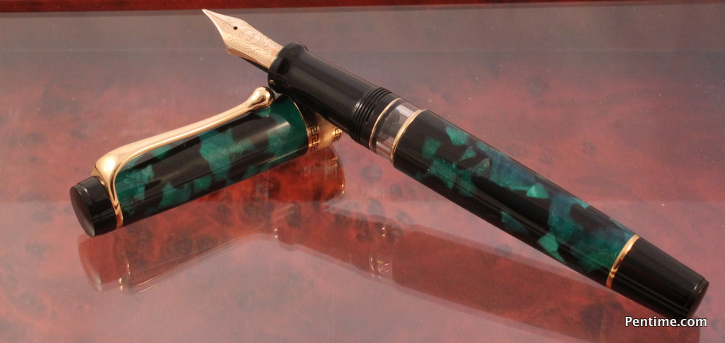 Aurora Auroloide Green Optima Fountain Pen