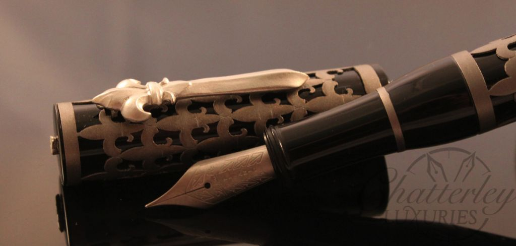 Stipula Chatterley Pens Fleur De Lis titanium Overlay T Flex nib (2)