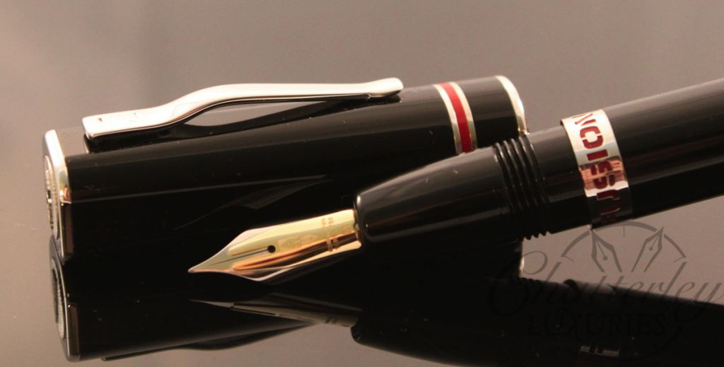 Delta Fusion One ( 1 ) Fountain Pen in Red, Black and White with Fusion Nib (6)