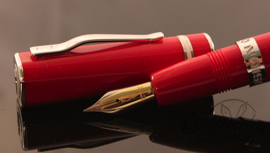 Delta Fusion One ( 1 ) Fountain Pen in  Red with Fusion Nib (4)