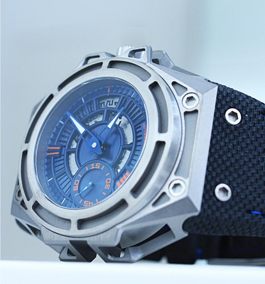 sl_titanium_blue_face6_web