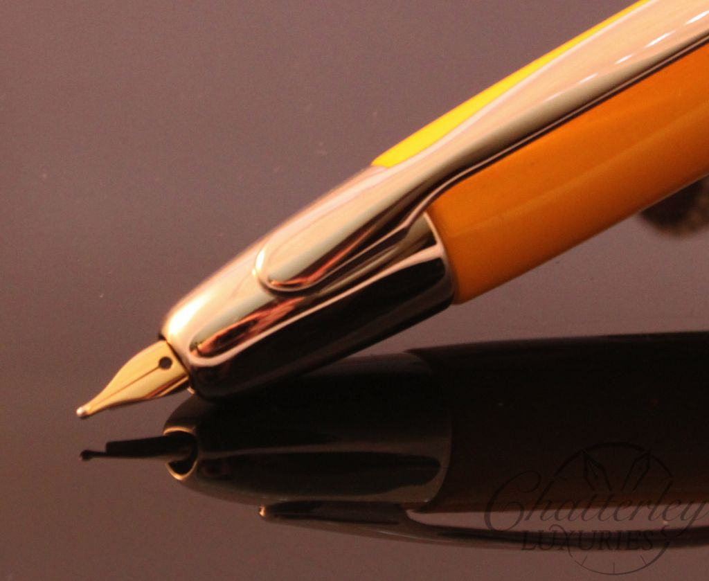 Pilot Vanishing Point Mandarin Fountain Pen (1)