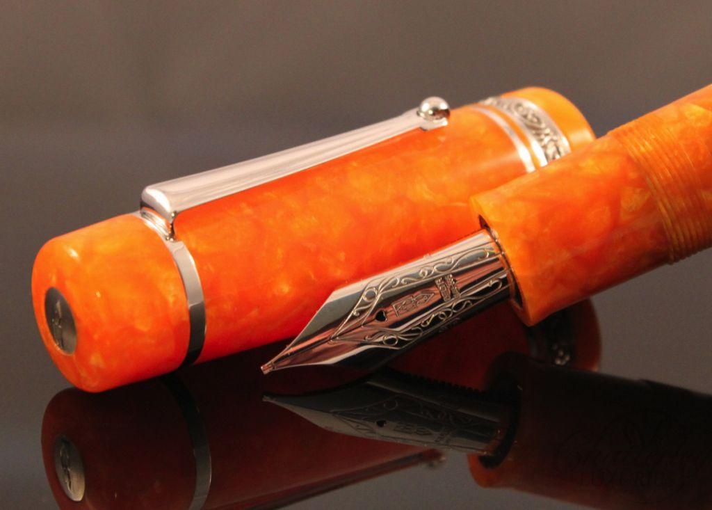 Delta Oro Argento Oversize with Silver Trim Fountain Pen