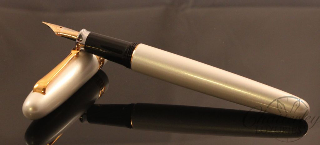 Danitrio White Pearl Laquer pen