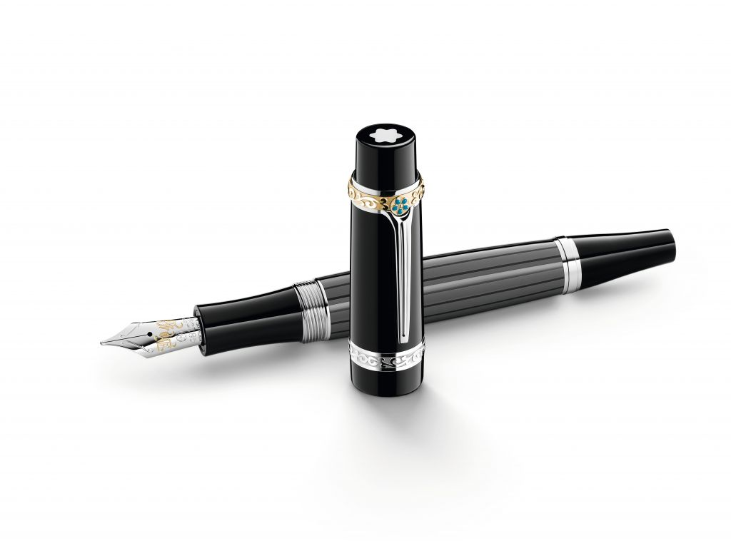 Montblanc_Writers_Edition_2013__Honore_de_Balzac_Fountain_Pen_open