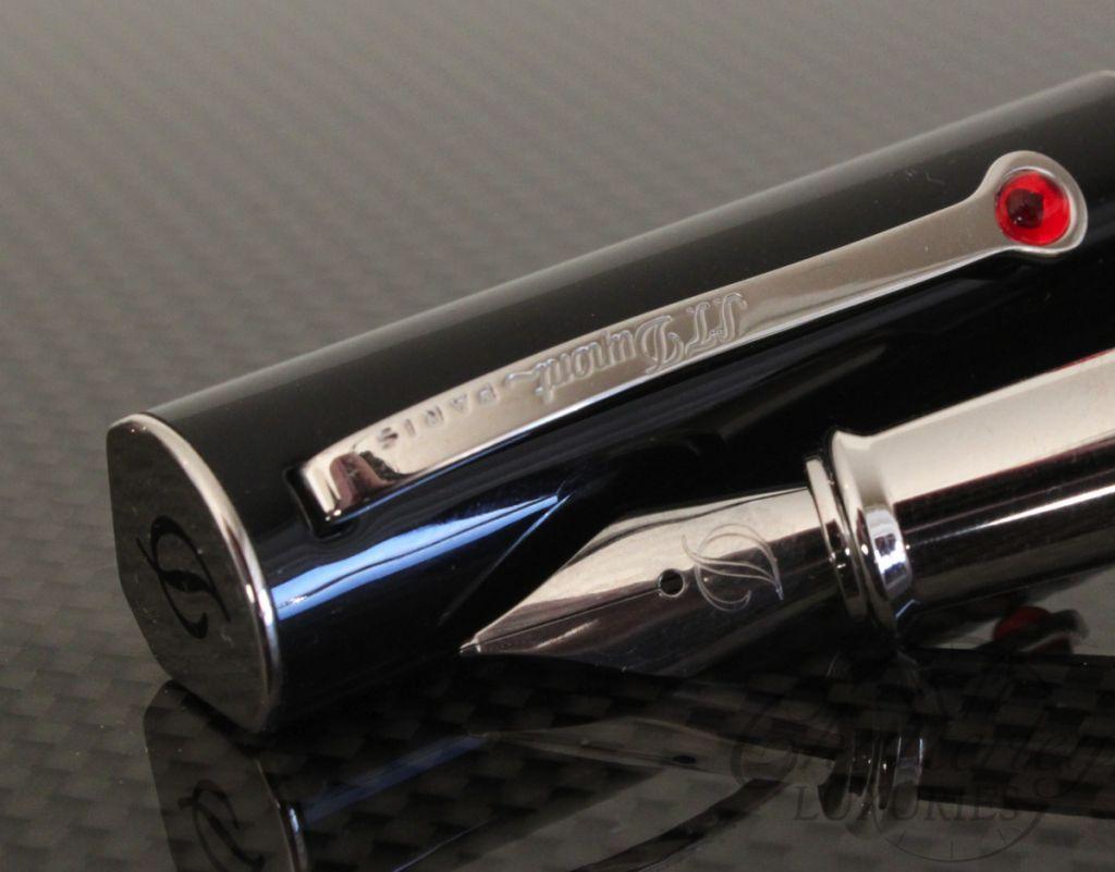 S.T. Dupont Black Fountain Pen Plume Noir2