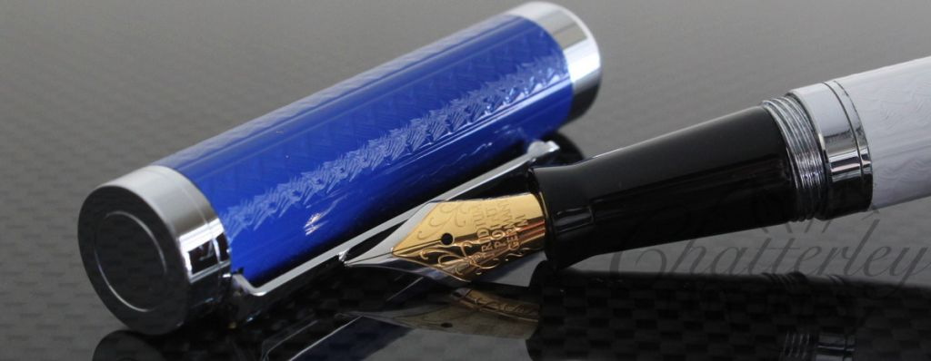 Danitrio Metal White and Blue Fountain Pen2