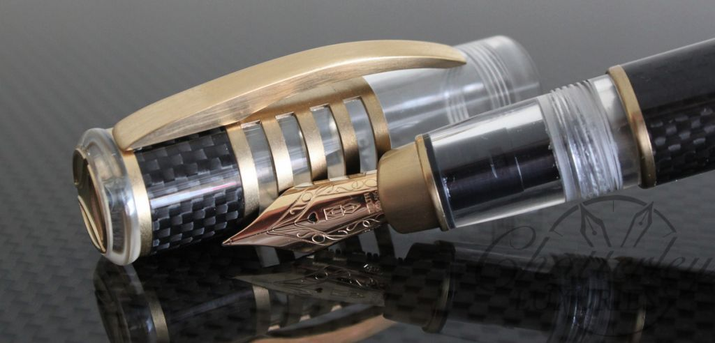 Delta Chatterley Carbon Demo Limited Edition Momo Gold Fountain Pen