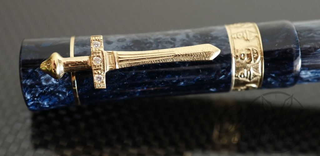 Delta Tuareg Solid Gold Trim Celebration Limited Edition Fountain Pen