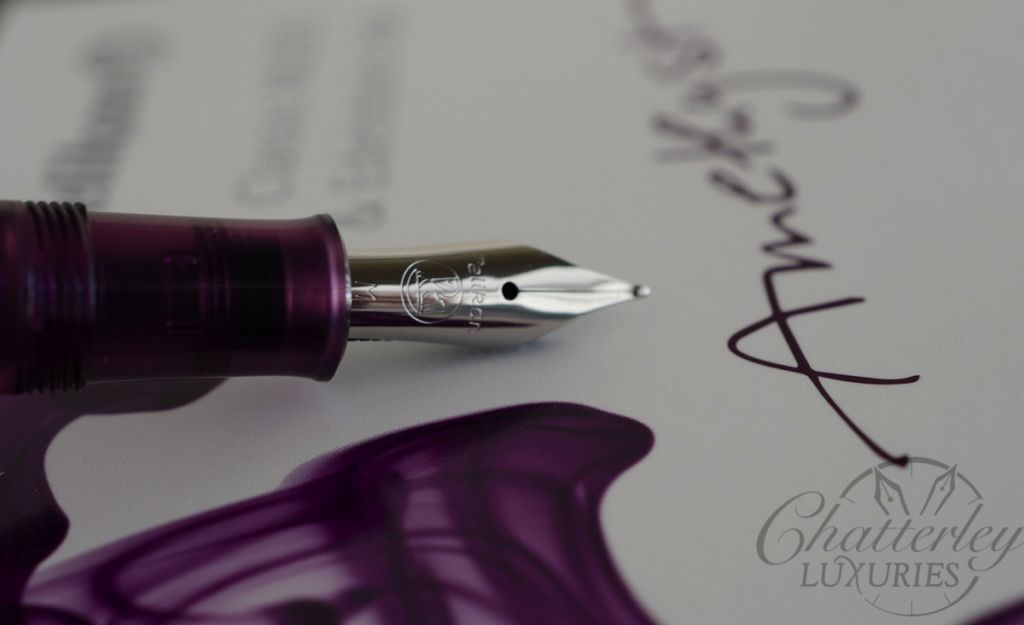 Pelikan M205 Special Edition Amethyst Demonstrator Fountain Pen and Ink Set