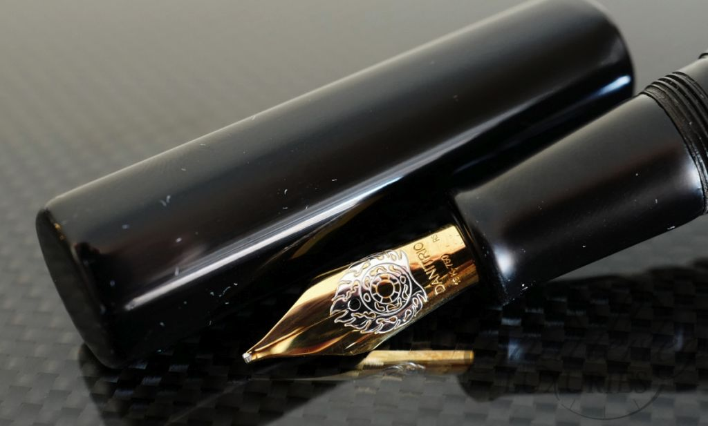 Danitrio Urushi Kuro-Keshi (Black) on a Hakkaku (Octogon) Short Fountain Pen