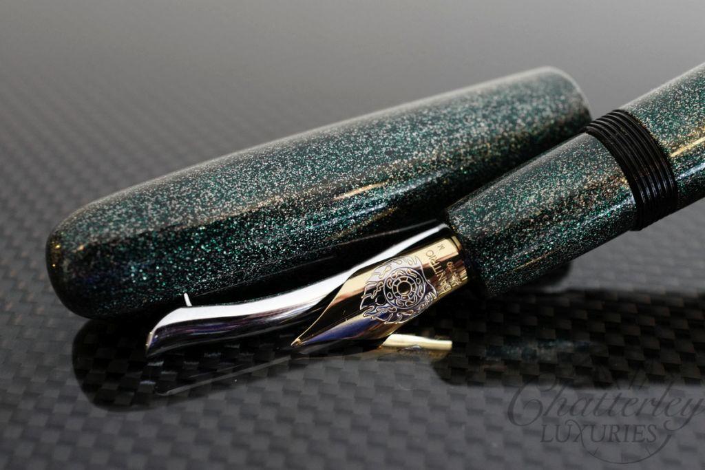 Danitrio Urushi Nashiji-nuri Green on Densho Fountain Pen