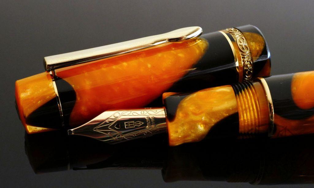 Delta Dolcevita Masterpiece Vermeil trim Fountain Pen with 14k nib