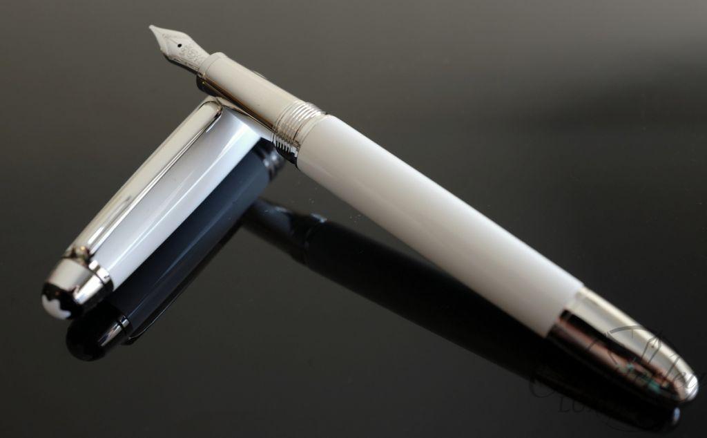Montblanc Meisterst 252 Ck White Solitaire Classique Fountain Pen