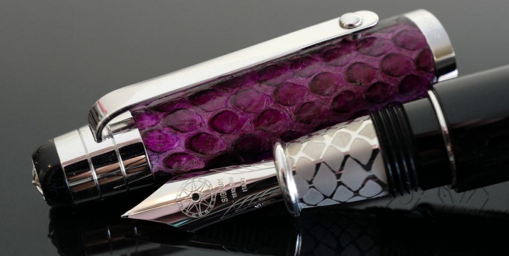 Signum Nova Purple Python Fountain Pen 18KT Gold Nib