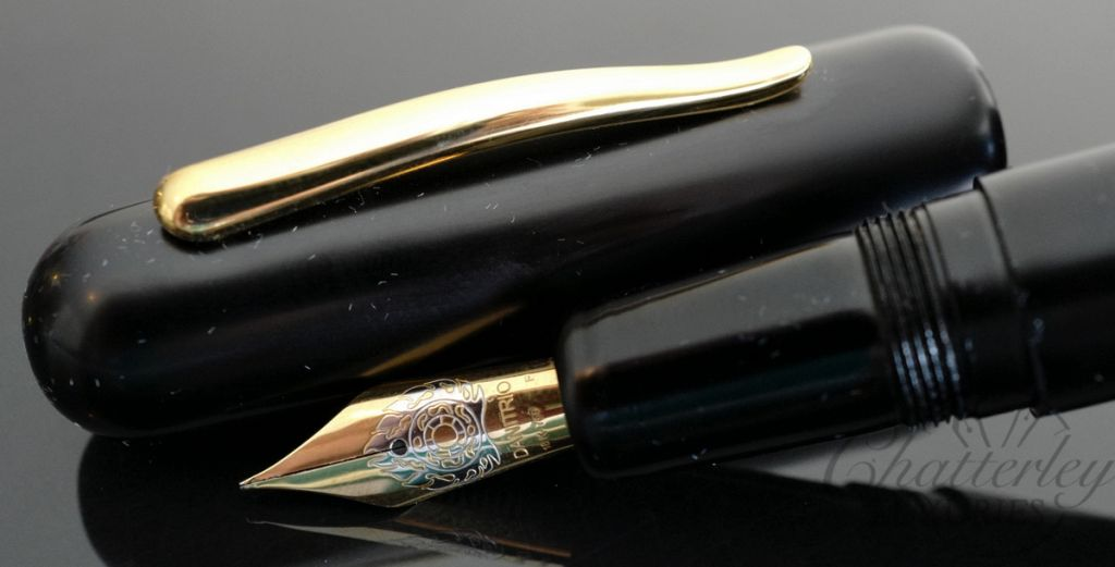 Danitrio Urushi Kuro-Keshi (Black) on a Takumi Fountain Pen Gold Clip