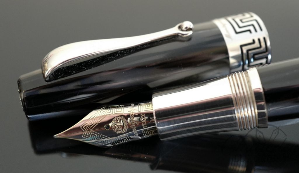 Montegrappa Extra 1930 Black & White Fountain Pen