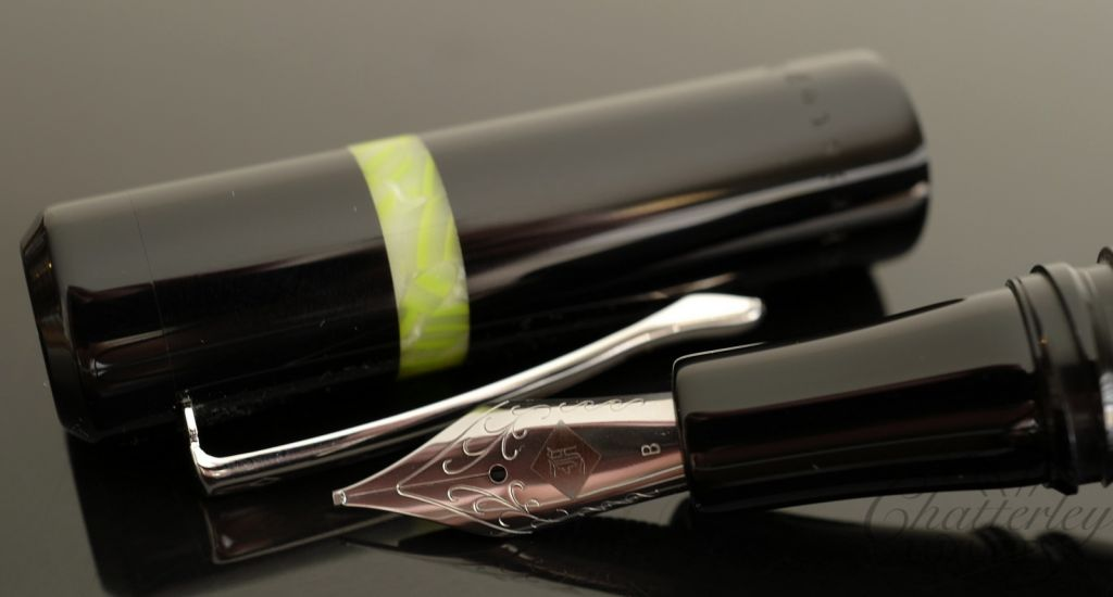 Franklin Christoph Model 19 Special Edition Fountain Pen - Black with Green Band
