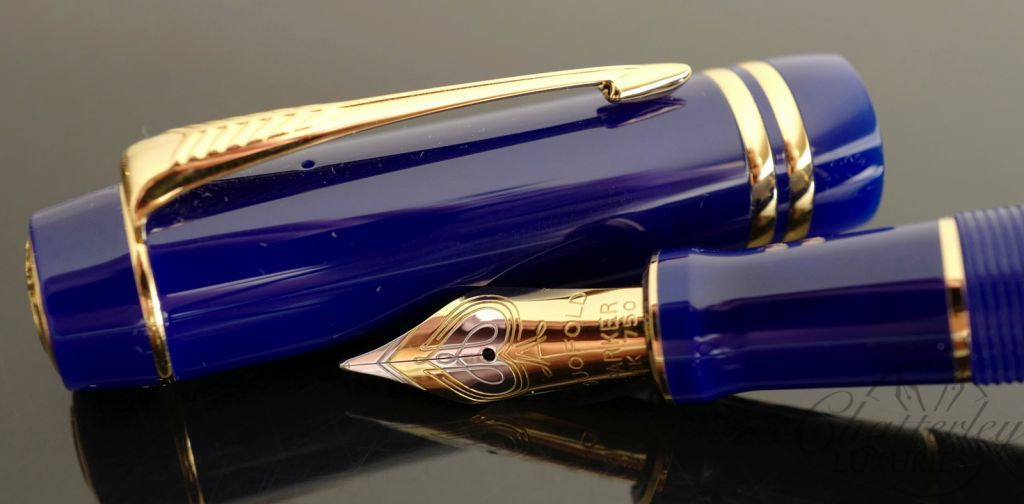 Parker Duofold Lapis Blue with Gold Trim Fountain Pen