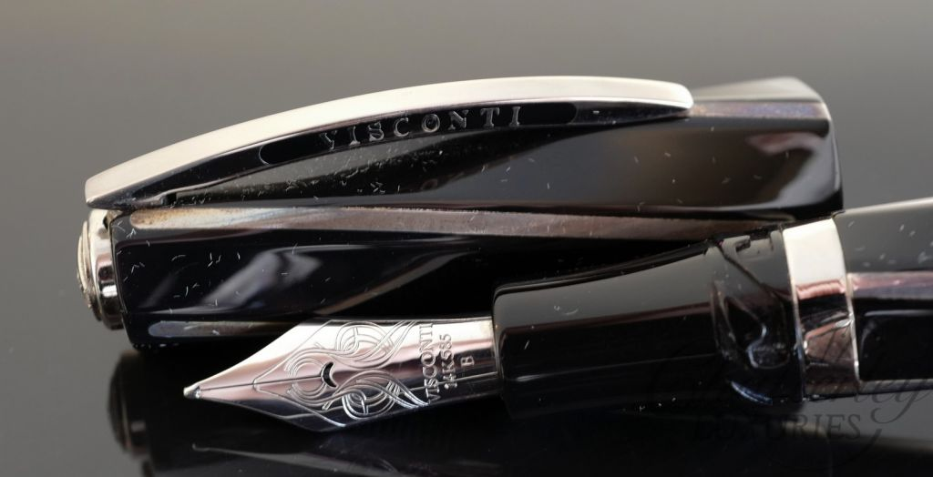 Visconti Black Divina Maxi Fountain Pen