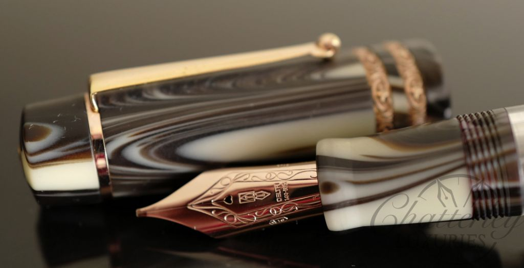 Chatterley/Delta Stantuffo Mocha Oro Rosso Grande Limited Edition Fountain Pen