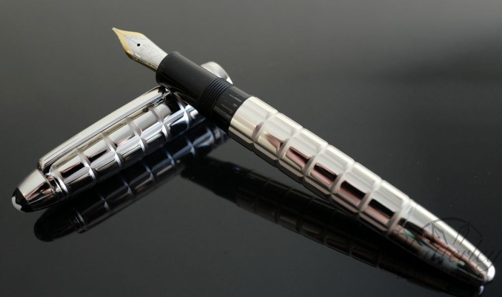 Montblanc 146 Meisterstück Solitaire Platinum-Plated Facet LeGrand Fountain Pen
