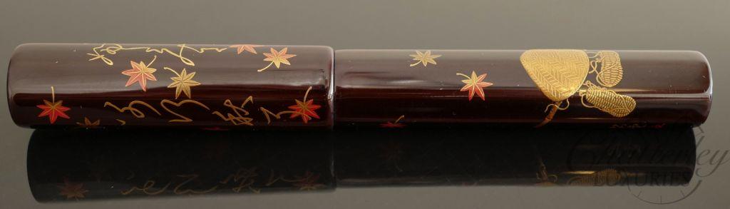 Danitrio Maki-e Tame-nuri Autumn Leaves on a Hakkaku (Short Octogon) Fountain Pen