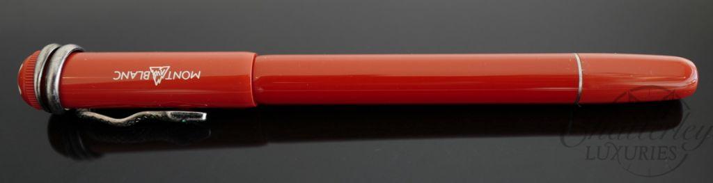 Rouge et Noir Coral